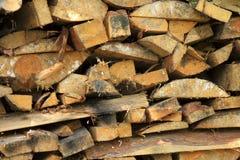 Legno nella catasta di legna fotografia stock libera da diritti