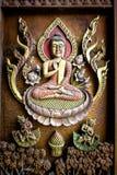 Legno scolpito Buddha antico nel tempio Fotografia Stock Libera da Diritti