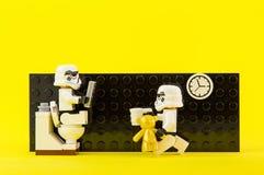 Lego gwiezdne wojny w toalecie Fotografia Stock