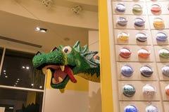 Lego-Speicher im berühmten im Stadtzentrum gelegenen Disney-Bezirk, Disneyland bezüglich Stockbild