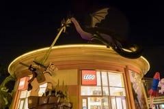 Lego-Speicher im berühmten im Stadtzentrum gelegenen Disney-Bezirk, Disneyland bezüglich Lizenzfreie Stockfotografie