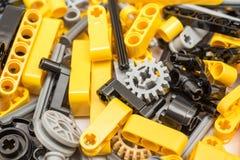 Lego Technic Pieces Pile Close acima imagens de stock