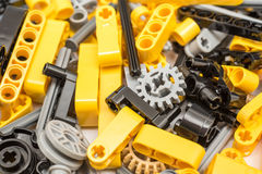 Lego Technic Pieces Pile Close su immagini stock