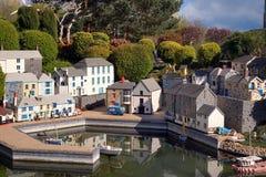 LEGOLAND,温莎,英国- 2016年4月30日:英国渔村的乐高模型 免版税库存照片