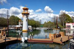LEGOLAND, WINDSOR, R-U - 30 AVRIL 2016 : Lac city de Heartlake dans Legoland Images stock