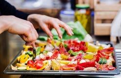 Legume fresco da preparação dos alimentos da cozinha foto de stock