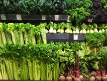 Legumes com folhas orgânicos frescos Imagem de Stock Royalty Free