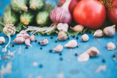 Legumes frescos no fundo azul de madeira natural Foto de Stock Royalty Free