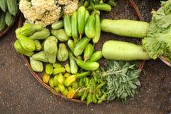 Legumes frescos no mercado chinês da manhã, departamento de Yangon, Myanmar imagem de stock