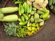 Legumes frescos no mercado chinês da manhã, departamento de Yangon, Myanmar foto de stock