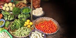 Legumes frescos no mercado da manhã, Myanmar Burma imagens de stock royalty free