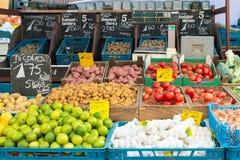 Legumes frescos no mercado dos vegetais em Amsterdão, Netherland Fotografia de Stock Royalty Free