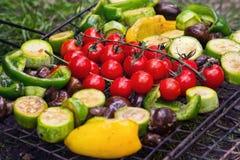 Legumes frescos para grelhar fora fotografia de stock royalty free