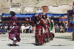 LEH, ÍNDIA - 20 DE SETEMBRO DE 2017: Artistas não identificados em Ladakhi Imagens de Stock