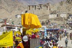LEH, ÍNDIA - 20 DE SETEMBRO DE 2017: Artistas não identificados em Ladakhi Fotos de Stock Royalty Free