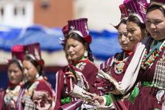 LEH, INDIA - SEPTEMBER 20, 2017: Niet geïdentificeerde kunstenaars in Ladakhi Stock Fotografie