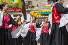 LEH, INDIA - SEPTEMBER 20, 2017: Niet geïdentificeerde kunstenaars in Ladakhi Stock Foto
