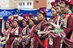 LEH, INDIEN - 20. SEPTEMBER 2017: Nicht identifizierte Künstler in Ladakhi Stockbild