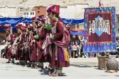LEH INDIEN - SEPTEMBER 20, 2017: Oidentifierade konstnärer i Ladakhi Arkivfoton