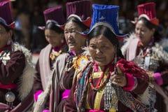 LEH, LA INDIA - 20 DE SEPTIEMBRE DE 2017: Artistas no identificados en Ladakhi Fotos de archivo