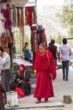 LEH, LA INDIA 3 DE SEPTIEMBRE: Monje budista3, 2011 en Leh, la India. BU Foto de archivo libre de regalías