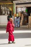 LEH, LA INDIA 3 DE SEPTIEMBRE: Monje budista3, 2011 en Leh, la India. BU Fotografía de archivo libre de regalías