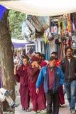 LEH, LA INDIA 3 DE SEPTIEMBRE: Monjes budistas3, 2011 en Leh, la India. B Fotos de archivo libres de regalías