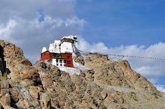 Leh (Ladakh) - castelo de Tsemo que negligencia a cidade Fotografia de Stock Royalty Free