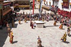 Leh Ladakh, Indien - Juli 7,2014: Viele Leute gehen zu Hemis-Festival Lizenzfreies Stockfoto