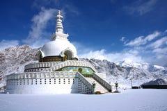leh shanti stupa冬天 免版税库存照片