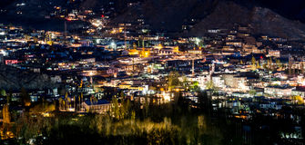 Leh-Stadt nachts Lizenzfreies Stockbild