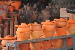 Lehm, der Topf und Ofen kocht Stockbilder