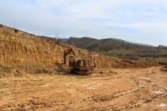 Lehmsteinbruch nahe der Stadt von Winogradow, Transcarpathian Region Lizenzfreie Stockbilder
