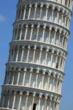 Lehnender Kontrollturm von Pisa, Italien Stockbilder
