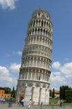Lehnender Kontrollturm von Pisa Italien Stockfotos