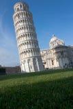 Lehnender Kontrollturm von Pisa mit negativem Platz, Italien Stockbilder