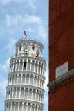 Lehnender Turm von Pisa gesehen von über Rom Italien lizenzfreies stockfoto