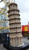 Lehnender Turm von Pisa-Modell aus Italien lizenzfreie stockfotos