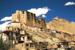 Lehpaleis en Tsomo-klooster in de bovenkant, Ladakh, Jammu en Kashmir, India Stock Fotografie