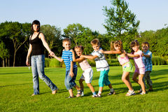 Lehrer mit Kindern Stockfoto