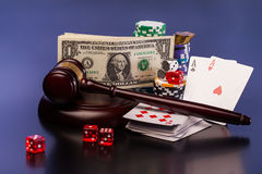 Lei e dinheiro de jogo Imagem de Stock