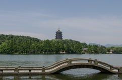 Lei Feng Pagoda e lago ocidental, Hangzhou Fotos de Stock