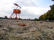 Leibwächterbeitrag auf Strand Stockbild