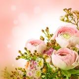 Leichter Blumenstrauß von den rosa Rosen lizenzfreies stockbild