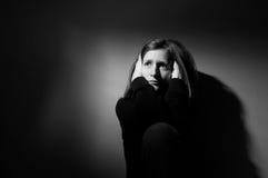 Leiden der jungen Frau Stockfotografie