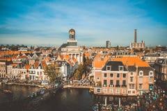 Leiden-Kanal die Niederlande Stockfotos