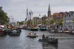 Leiden Nederländerna - Juli 28, 2018: Historiska opduwers eller opdr royaltyfri foto