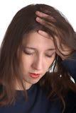 Leidet unter Kopfschmerzen stockfotos
