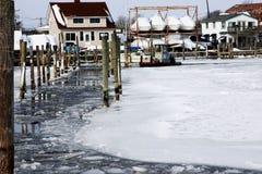 Leidt de ijs brekende boot tot een weg bij de Babylon-Dokken Stock Afbeeldingen