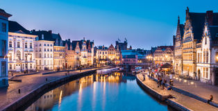Leie河岸在跟特,比利时,欧洲。 免版税库存照片
